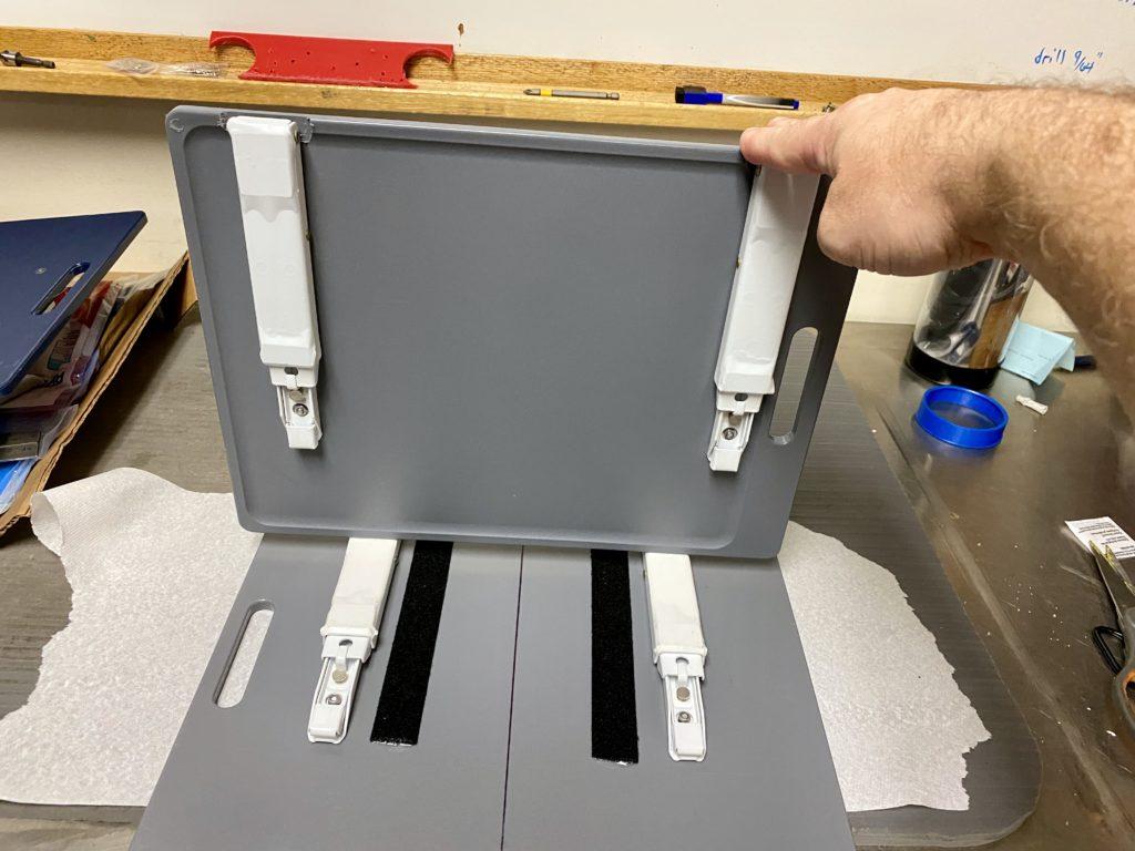 Portable_Laptop_Shelf