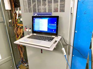 Magnetic_Laptop_Shelf