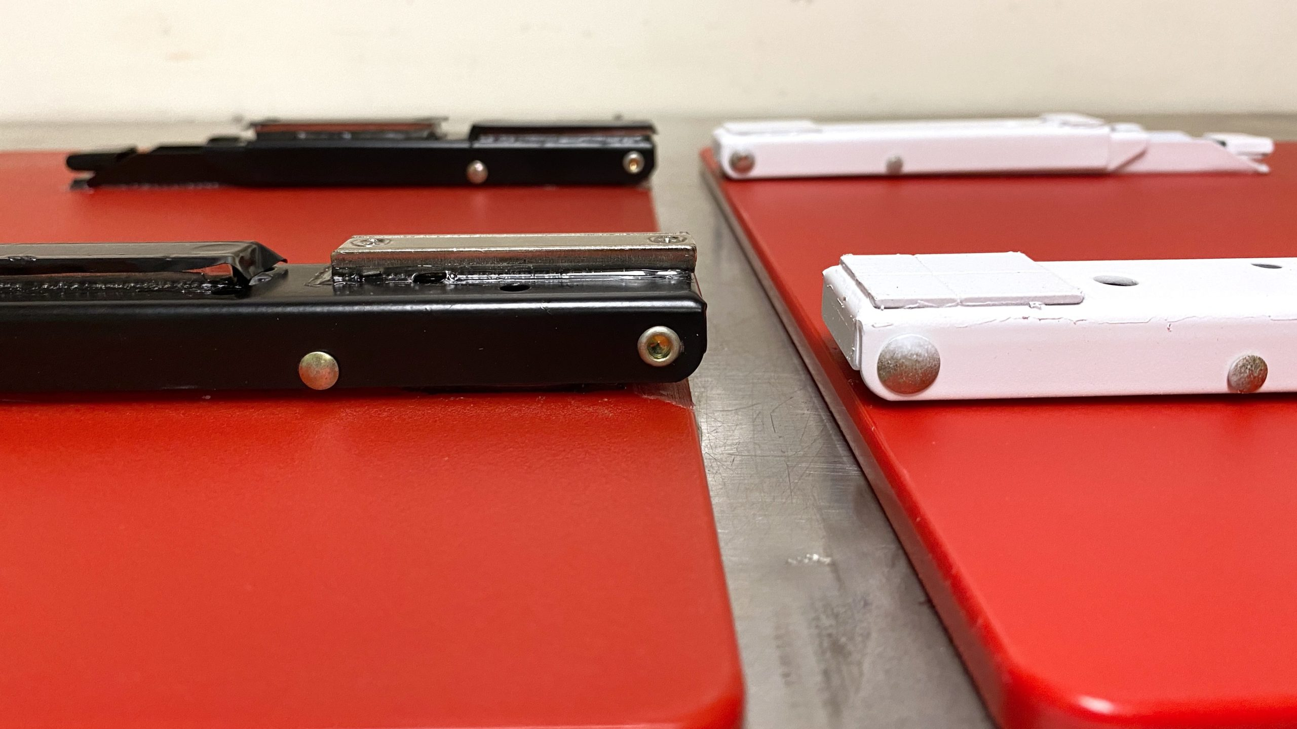 Laptop_Shelf_Magnet